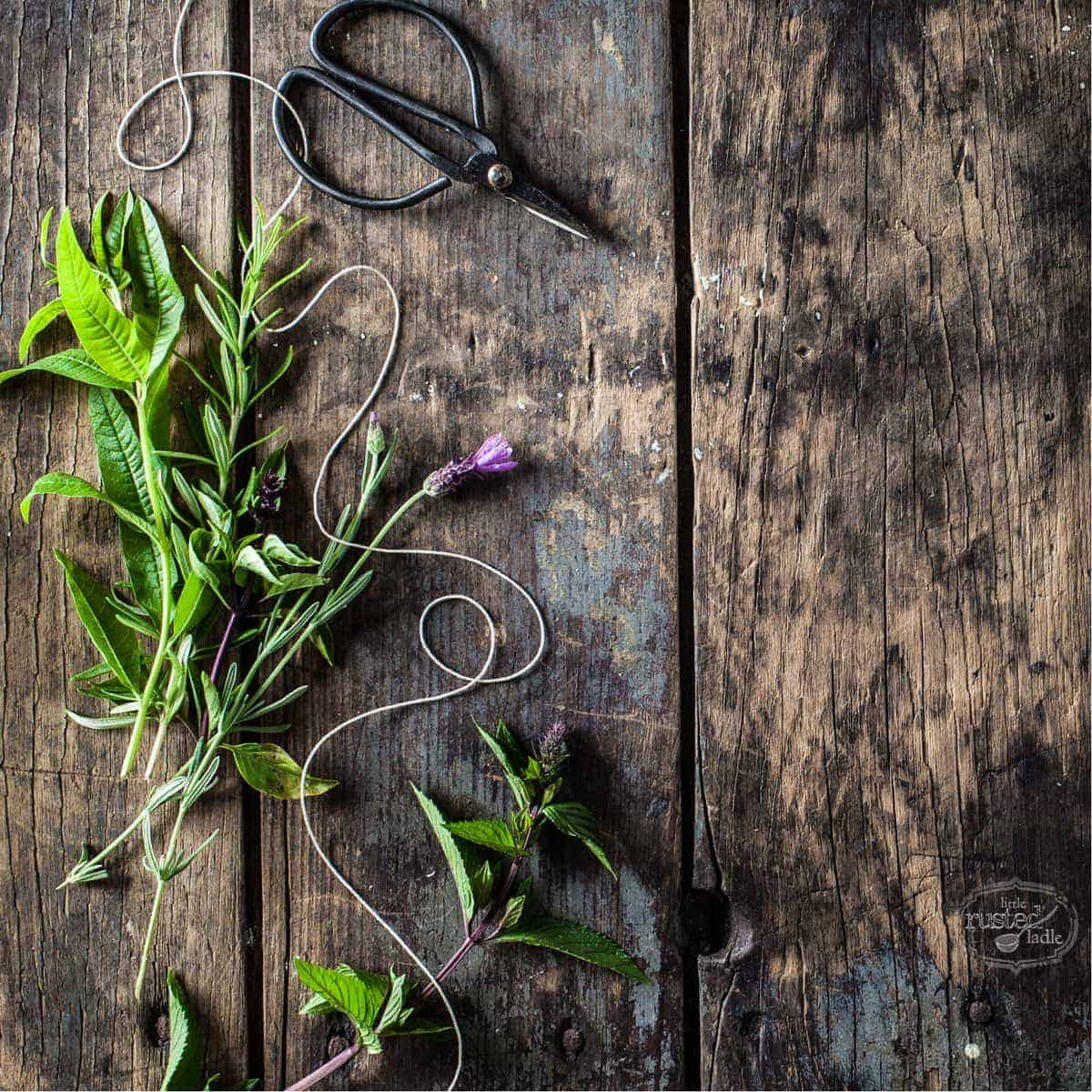 Herb Wreath Craft Rustic Home Decor_Little Rusted Ladle_Jena Carlin Photography_3_96WM