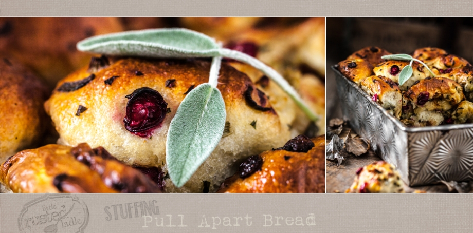 Thanksgiving Stuffing Pull Apart Bread - www.littlerustedladle.com
