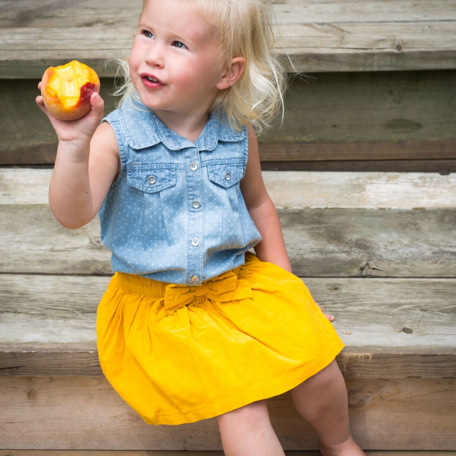 Lifestyle Bee Farm - Honey Mint Peach Lemonade Recipe - Kids Lemonade Stand - Jena Carlin Photography - Little Rusted Ladle - Web-36