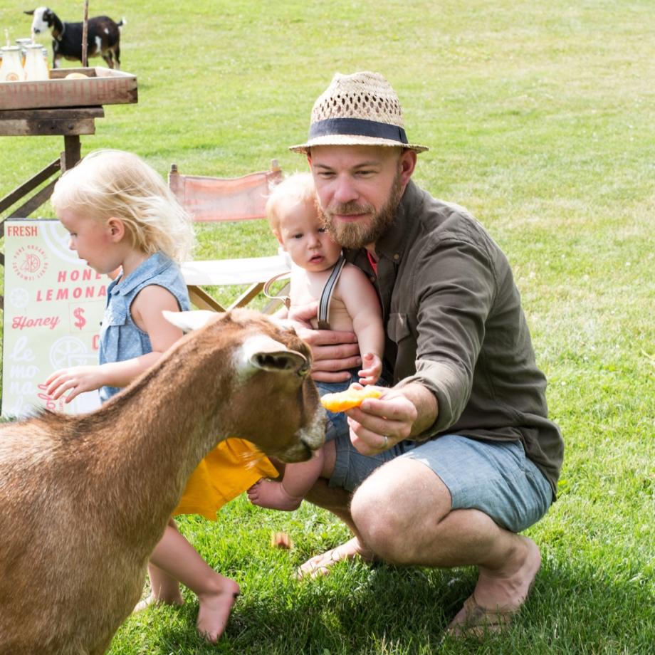 Lifestyle Bee Farm - Honey Mint Peach Lemonade Recipe - Kids Lemonade Stand - Jena Carlin Photography - Little Rusted Ladle - Web-41